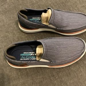 Brand new Men's Skechers Size 9.5